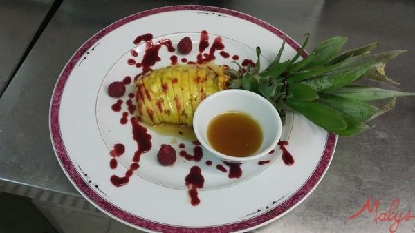 restaurant-bontendrie-ananas-roti