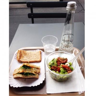 Dejeuner pause sandwich salade